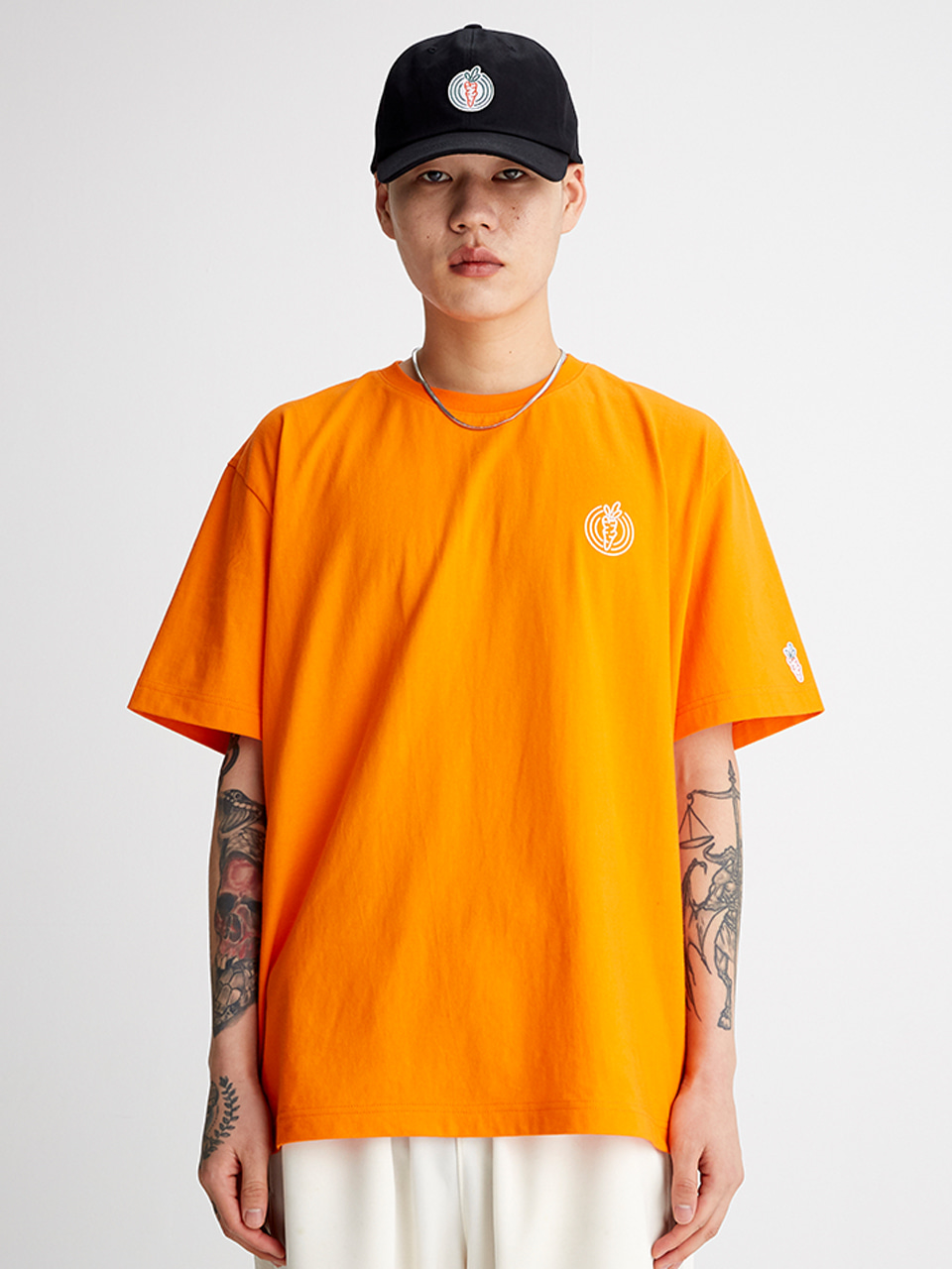 [SS20 SV X Carrots] One Point Logo T-shirts(Orange) 스테레오 바이널즈[SS20 SV X Carrots] One Point Logo T-shirts(Orange)